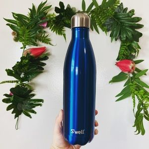 $45 Swell NWT water bottle ✨